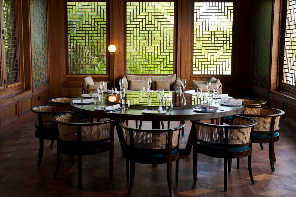 Wami Galerie Dining Table Group